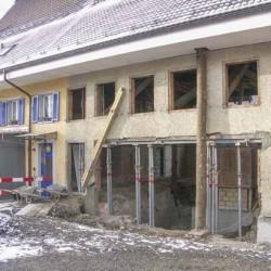 Zuerst wird das Haus ausgehöhlt